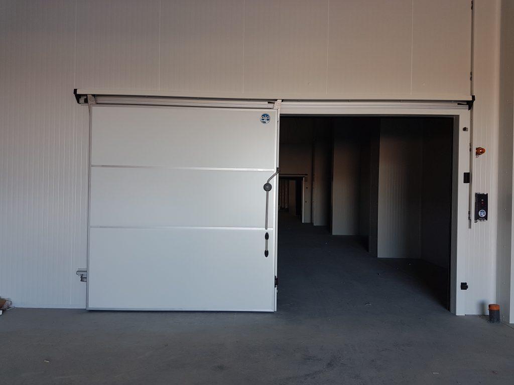Porte coulissante bannière