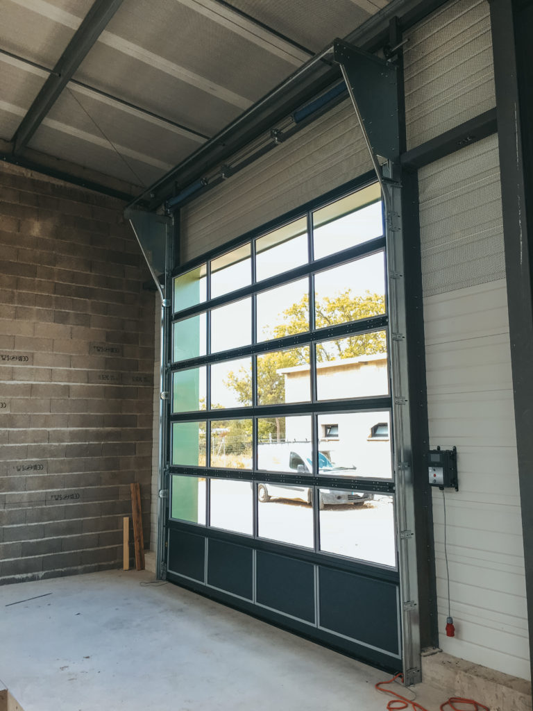 Porte sectionnelles A40 vitrée